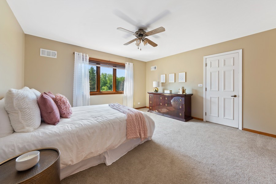 Real Estate Photography - 195 Mooregate Trail, Hawthorn Woods, IL, 60047 - 2nd Bedroom