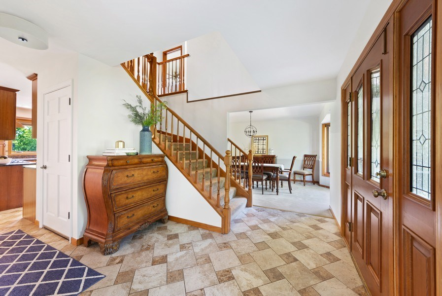 Real Estate Photography - 195 Mooregate Trail, Hawthorn Woods, IL, 60047 - Foyer