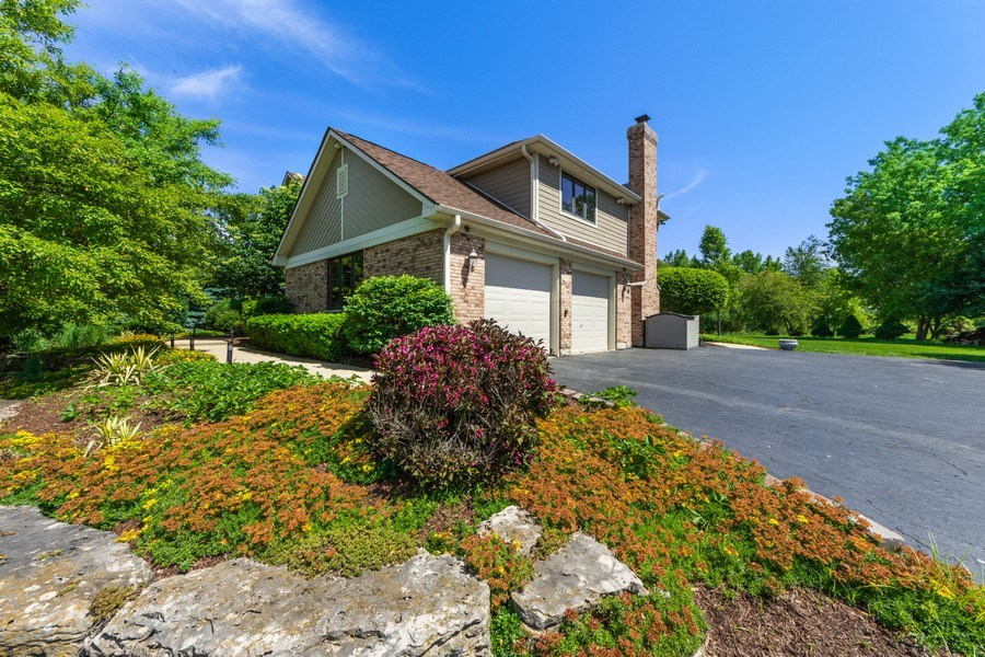 Real Estate Photography - 195 Mooregate Trail, Hawthorn Woods, IL, 60047 - Garage