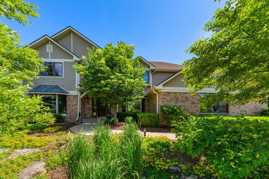 Real Estate Photography - 195 Mooregate Trail, Hawthorn Woods, IL, 60047 - Front View