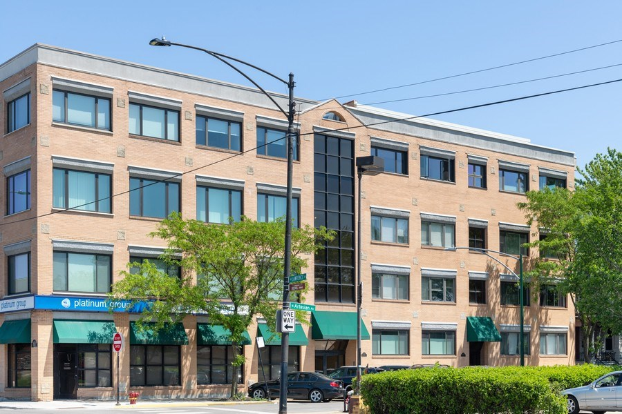 Real Estate Photography - 4747 N. Artesian Ave., Unit 1N, Chicago, IL, 60625 - Front View