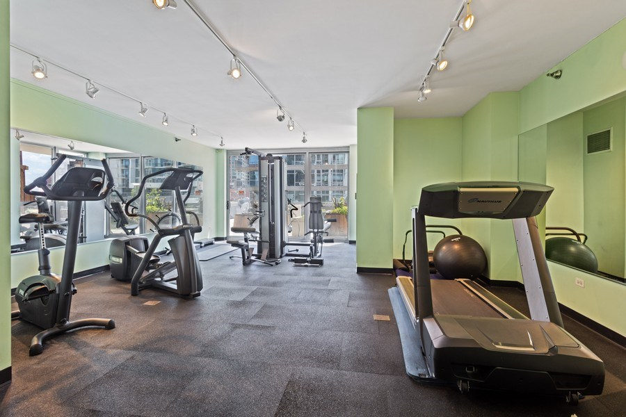 Real Estate Photography - 200 W. Grand St., 2006, Chicago, IL, 60654 - Gym
