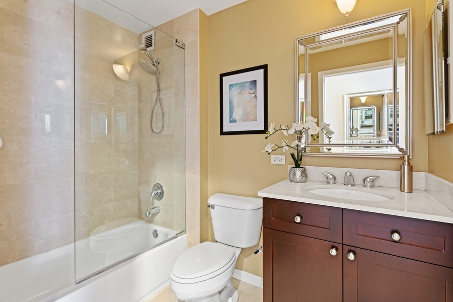 Real Estate Photography - 200 W. Grand St., 2006, Chicago, IL, 60654 - Bathroom