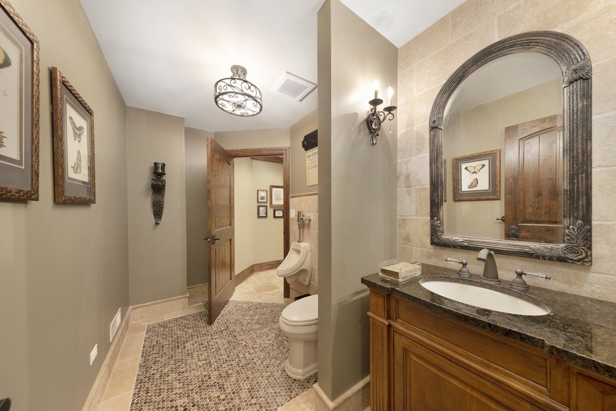 Real Estate Photography - 742 Meadow Lane, Libertyville, IL, 60048 - 4th Bathroom