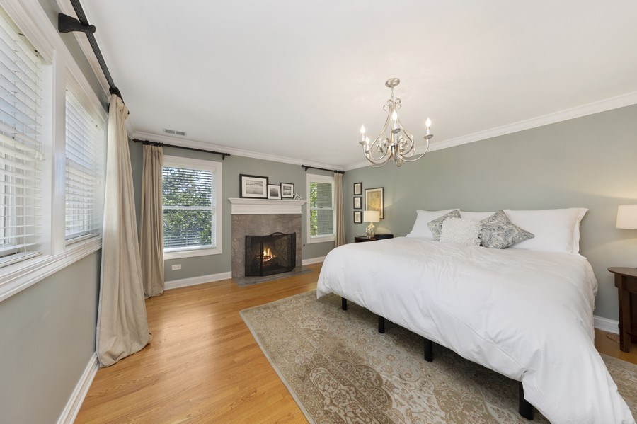 Real Estate Photography - 742 Meadow Lane, Libertyville, IL, 60048 - Master Bedroom