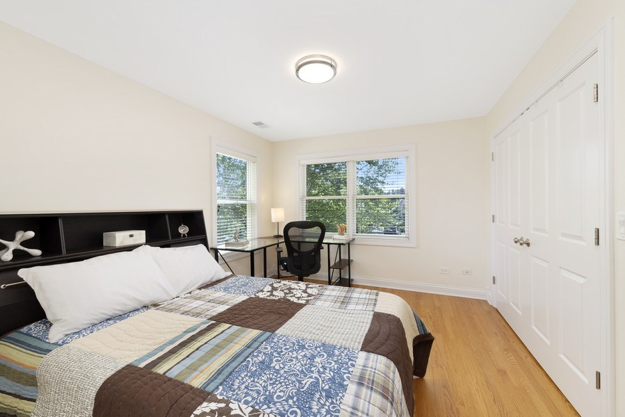 Real Estate Photography - 742 Meadow Lane, Libertyville, IL, 60048 - 2nd Bedroom