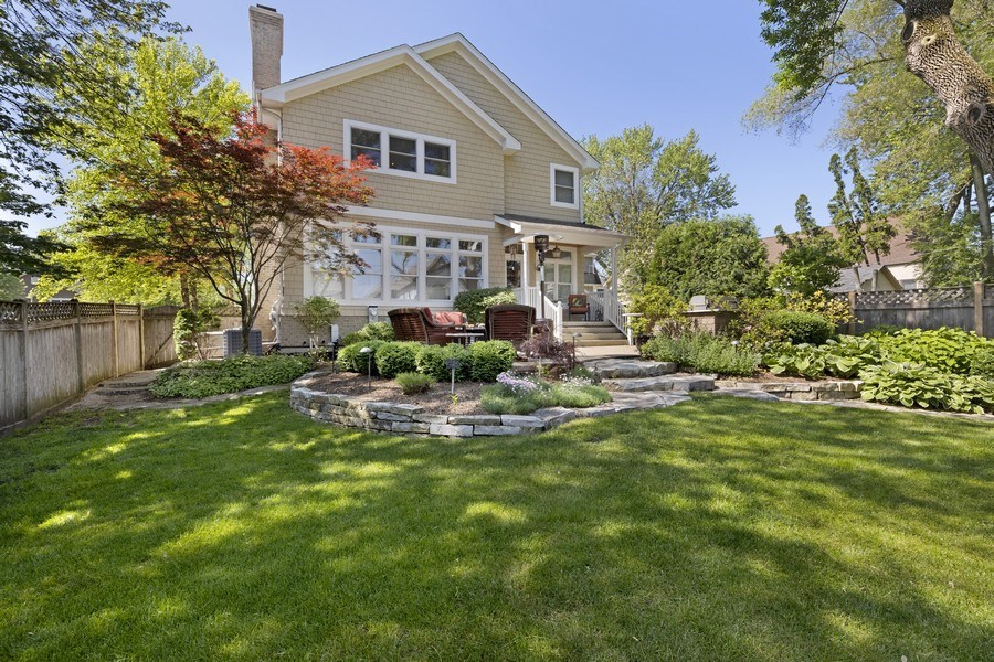 Real Estate Photography - 742 Meadow Lane, Libertyville, IL, 60048 - Rear View