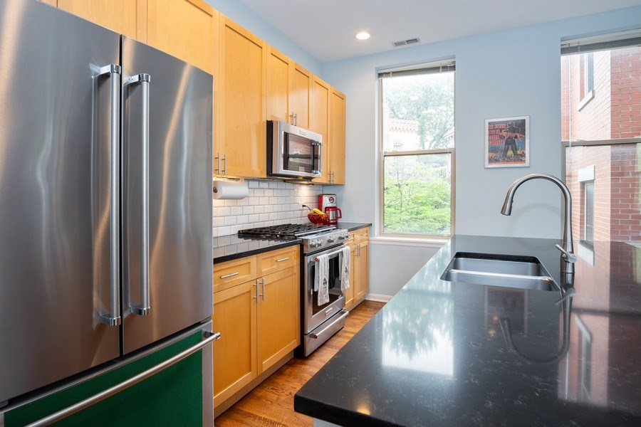 Real Estate Photography - 1947 W. Evergreen Ave., #C, Chicago, IL, 60622 - Kitchen