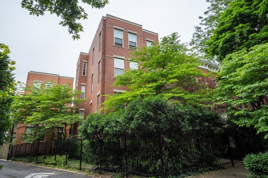 Real Estate Photography - 1947 W. Evergreen Ave., #C, Chicago, IL, 60622 - Front View