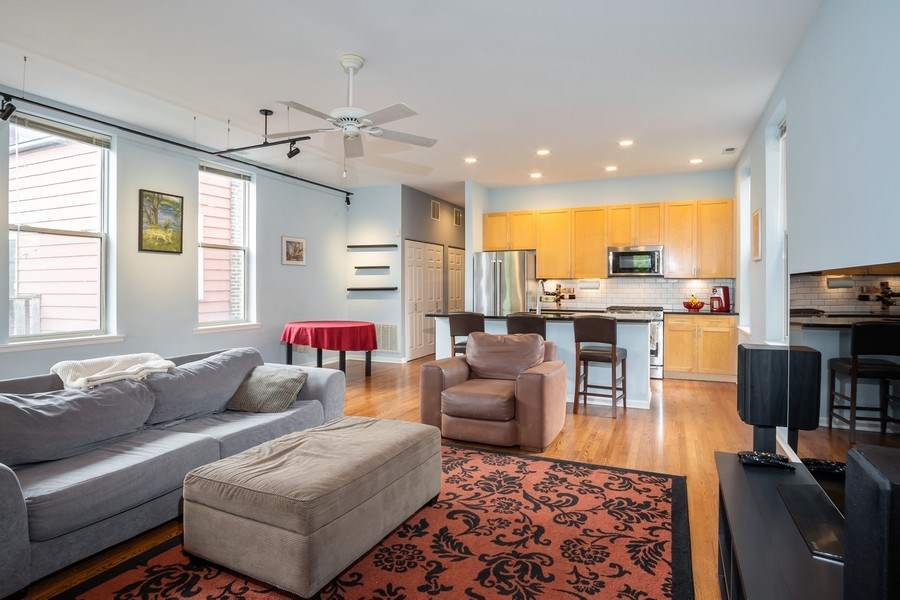 Real Estate Photography - 1947 W. Evergreen Ave., #C, Chicago, IL, 60622 - Kitchen / Living Room