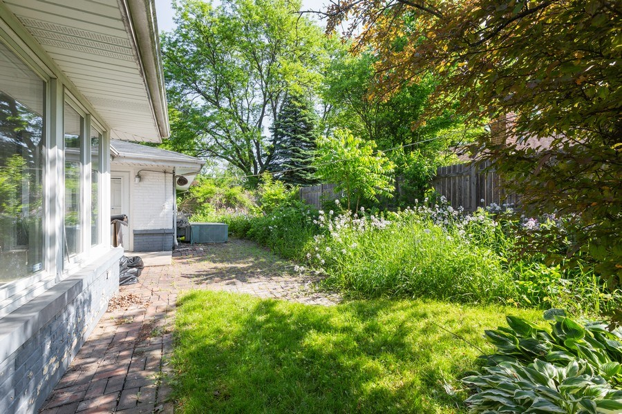 Real Estate Photography - 745 Indian Rd, Glenview, IL, 60025 - Paver Patio off Kitchen