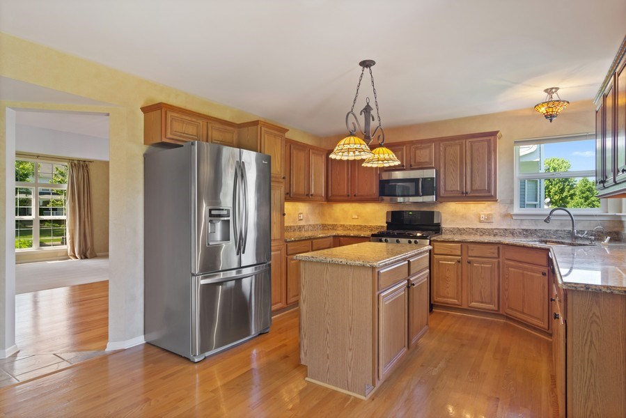Real Estate Photography - 416 Farnsworth Circle, Port Barrington, IL, 60010 - Kitchen
