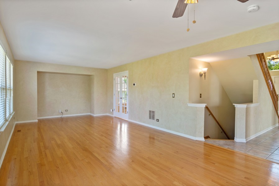 Real Estate Photography - 416 Farnsworth Circle, Port Barrington, IL, 60010 - Family Room