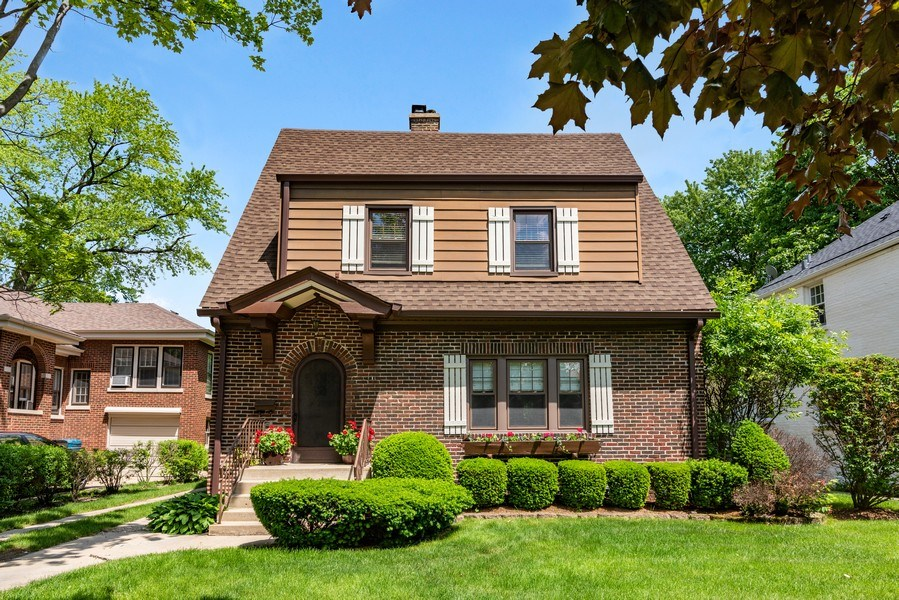 Real Estate Photography - 211 N Merrill, Park Ridge, IL, 60068 - Front View
