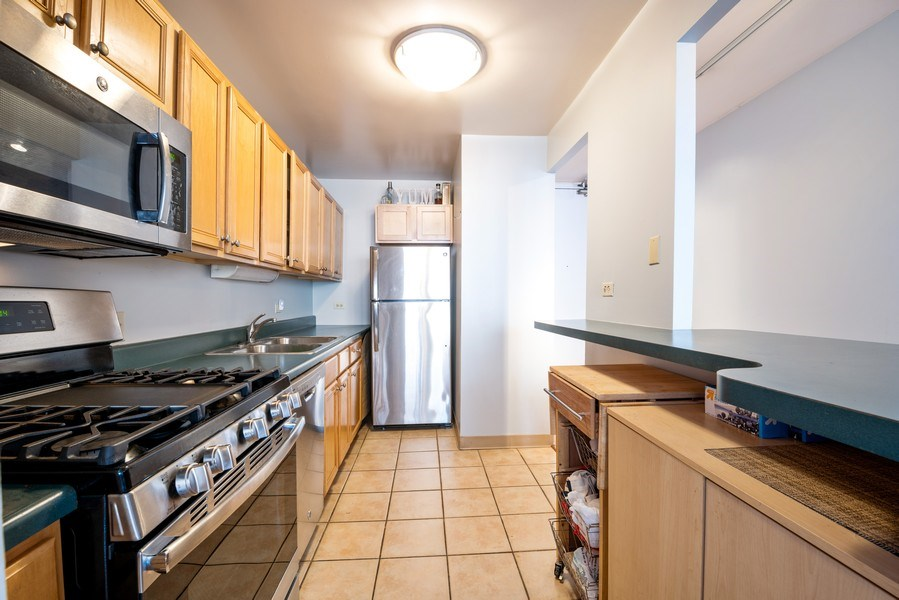 Real Estate Photography - 444 W. Fullerton, #401, Chicago, IL, 60614 - Kitchen