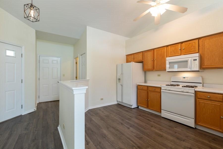 Real Estate Photography - 1395 Grandview Ct, Algonquin, IL, 60102 - Kitchen