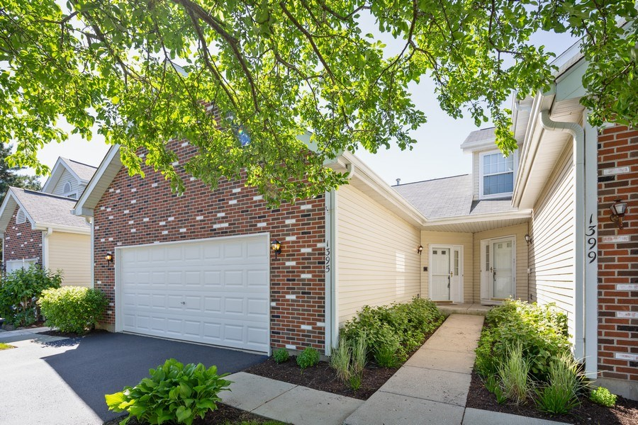 Real Estate Photography - 1395 Grandview Ct, Algonquin, IL, 60102 - Front View