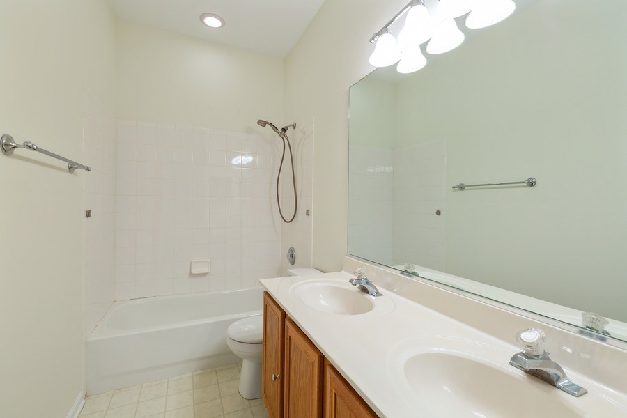 Real Estate Photography - 1395 Grandview Ct, Algonquin, IL, 60102 - 2nd Bathroom