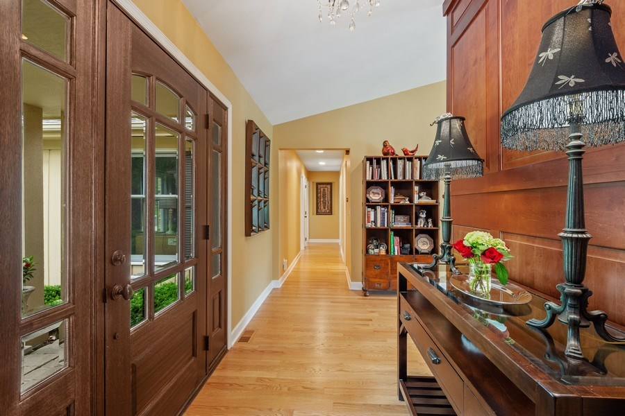 Real Estate Photography - 124 Vance Ct, Lake Barrington, IL, 60010 - Foyer