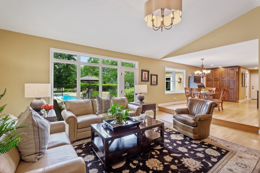 Real Estate Photography - 124 Vance Ct, Lake Barrington, IL, 60010 - Great Room