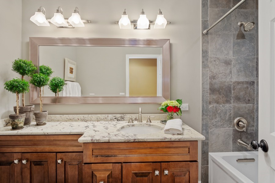 Real Estate Photography - 124 Vance Ct, Lake Barrington, IL, 60010 - Hallway Bathroom