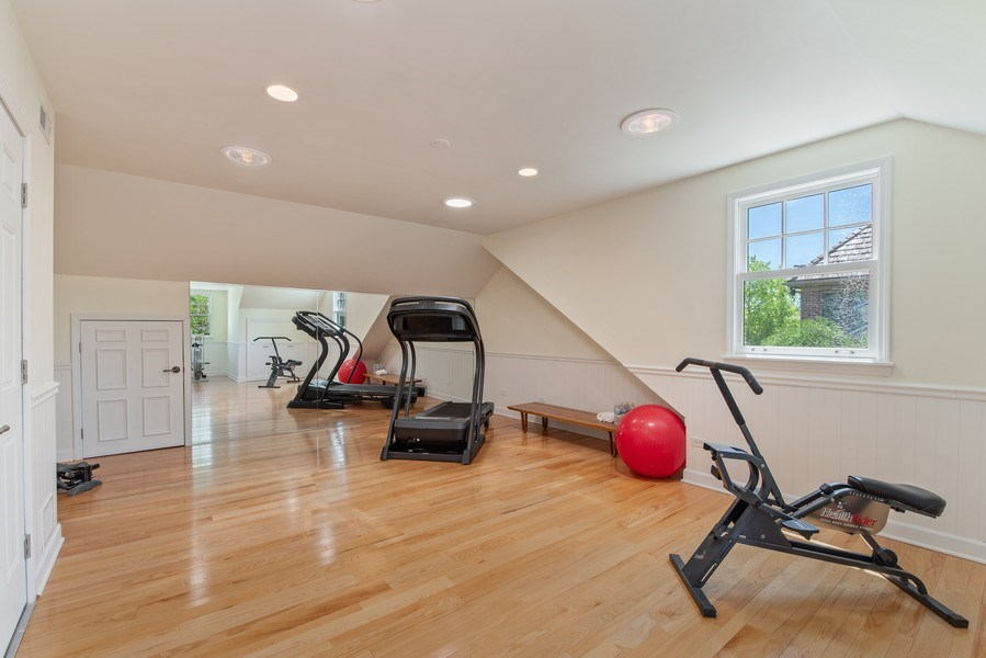 Real Estate Photography - 1655 Monterey Dr, Glenview, IL, 60026 - Exercise Room