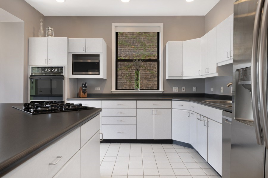 Real Estate Photography - 3519 N Sheffield, Unit 2S, Chicago, IL, 60657 - Kitchen