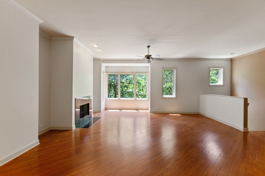 Real Estate Photography - 464 W Superior, Chicago, IL, 60654 - Living Room