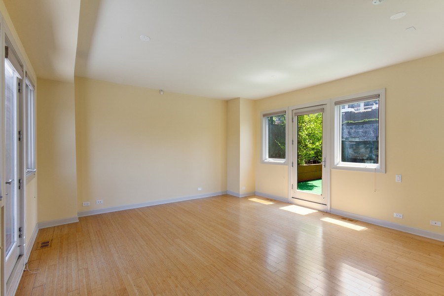 Real Estate Photography - 464 W Superior, Chicago, IL, 60654 - Recreational Room