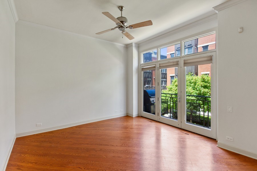 Real Estate Photography - 464 W Superior, Chicago, IL, 60654 - Den