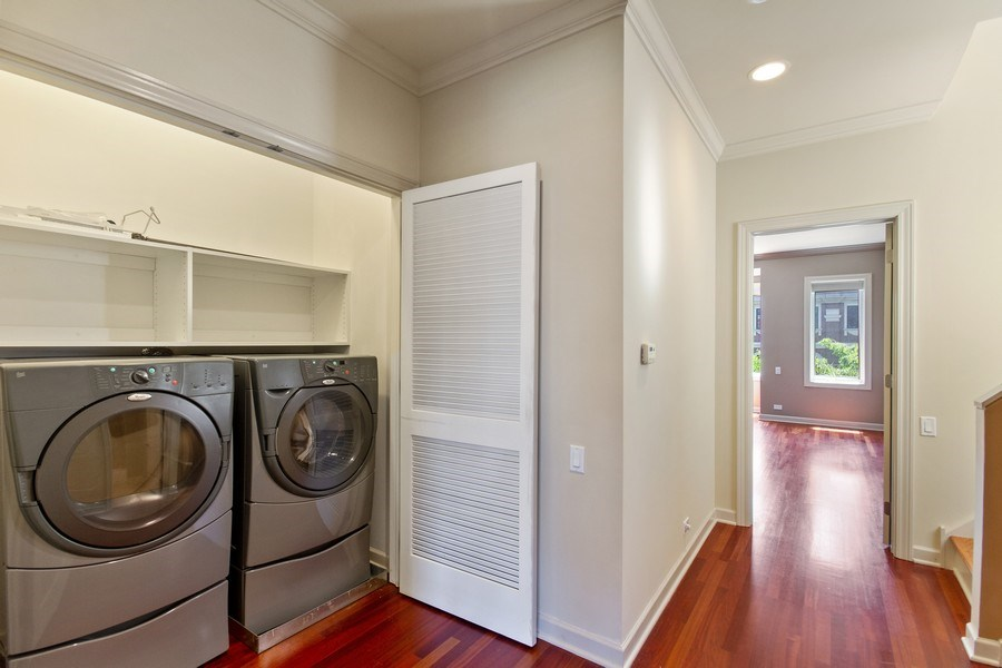 Real Estate Photography - 464 W Superior, Chicago, IL, 60654 - Laundry Room