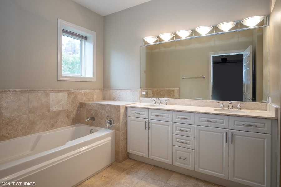 Real Estate Photography - 464 W Superior, Chicago, IL, 60654 - Master Bathroom