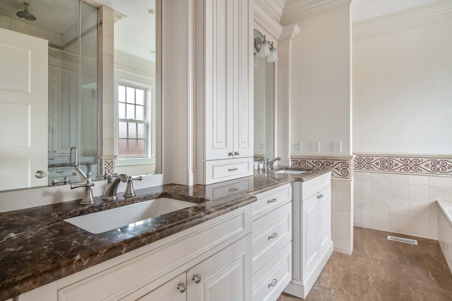 Real Estate Photography - 3926 N Greenview Ave, Chicago, IL, 60613 - 5th Bathroom (En Suite)