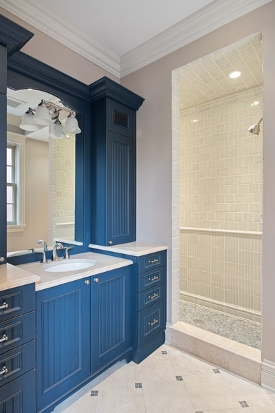 Real Estate Photography - 3926 N Greenview Ave, Chicago, IL, 60613 - 4th Bathroom