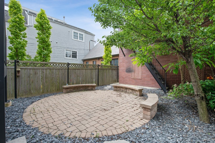 Real Estate Photography - 3926 N Greenview Ave, Chicago, IL, 60613 - Patio/Rear Yard