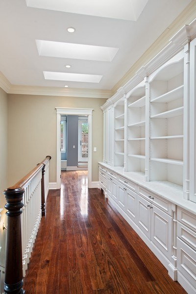 Real Estate Photography - 3926 N Greenview Ave, Chicago, IL, 60613 - Library