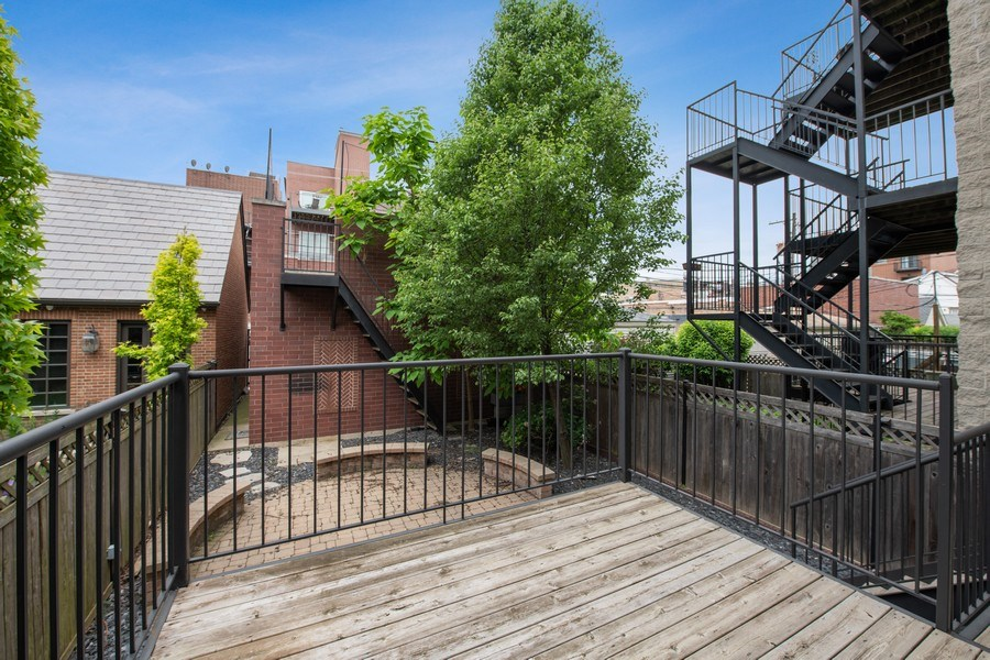 Real Estate Photography - 3926 N Greenview Ave, Chicago, IL, 60613 - Deck