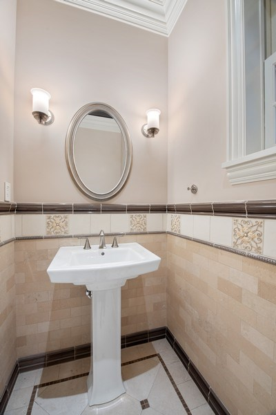 Real Estate Photography - 3926 N Greenview Ave, Chicago, IL, 60613 - Half Bath