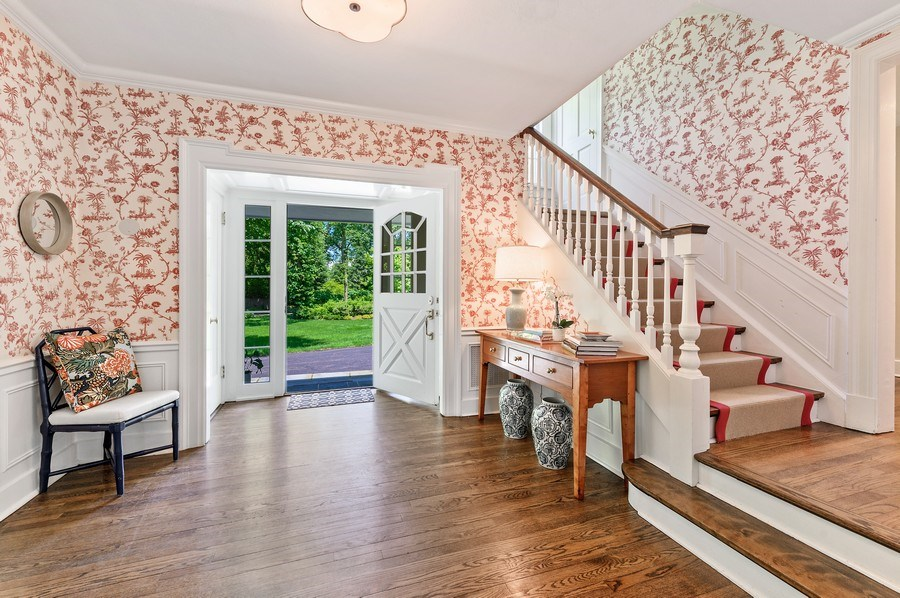 Real Estate Photography - 44 Indian Hill Rd, Winnetka, IL, 60093 - Foyer