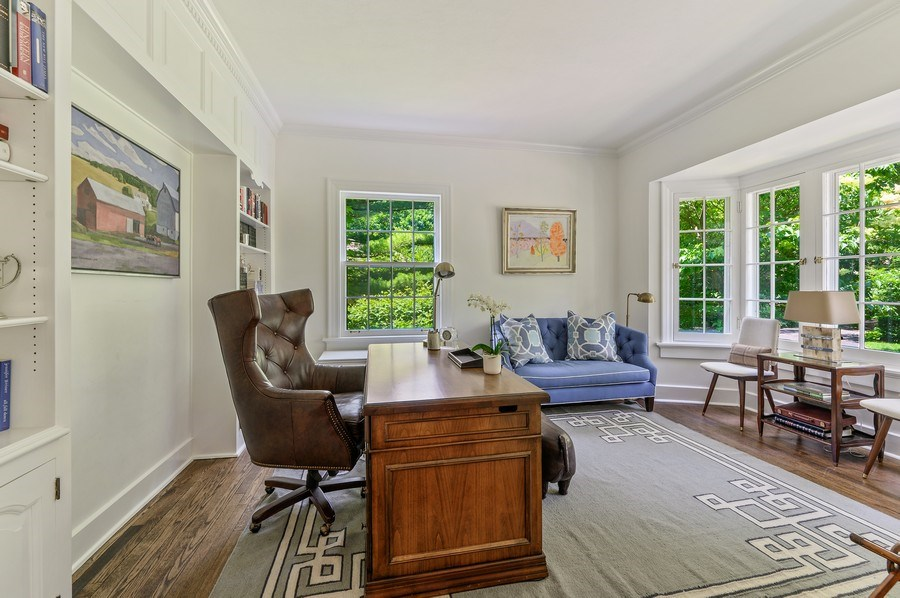 Real Estate Photography - 44 Indian Hill Rd, Winnetka, IL, 60093 - Office