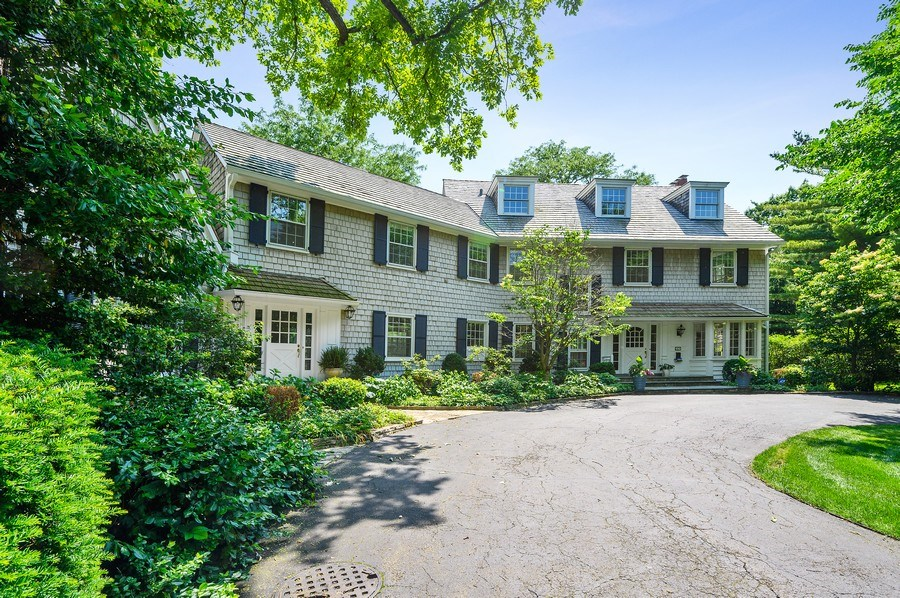Real Estate Photography - 44 Indian Hill Rd, Winnetka, IL, 60093 - Front View