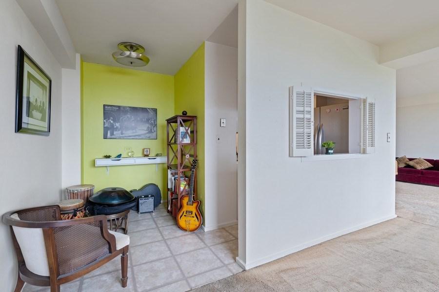 Real Estate Photography - 3180 N Lake Shore Dr, 5D, Chicago, IL, 60657 - Breakfast/Bonus Room