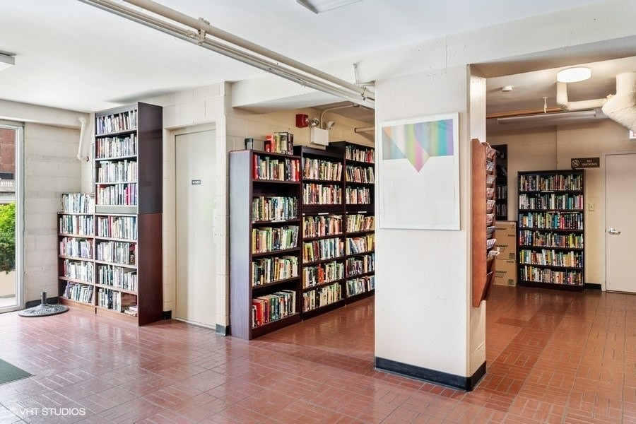 Real Estate Photography - 3180 N Lake Shore Dr, 5D, Chicago, IL, 60657 - Library
