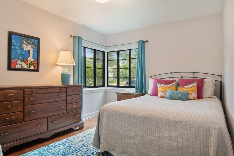 Real Estate Photography - 2326 Greenwood, Wilmette, IL, 60091 - First Floor Bedroom