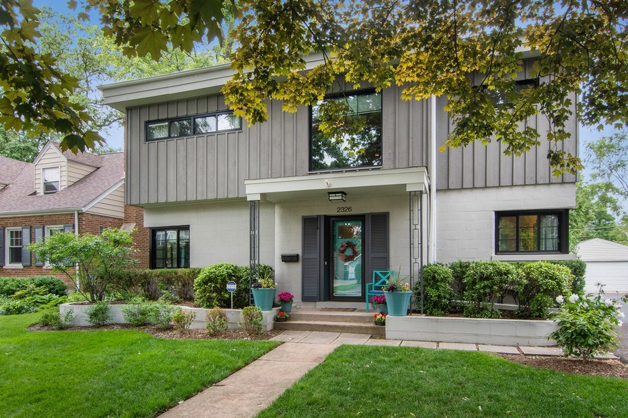 Real Estate Photography - 2326 Greenwood, Wilmette, IL, 60091 - Front View