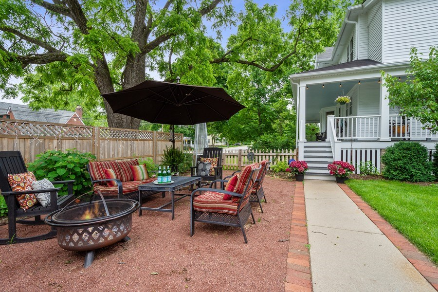 Real Estate Photography - 249 W Lake St, Barrington, IL, 60010 - Patio