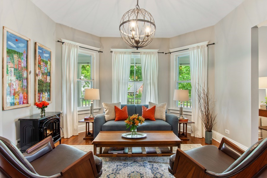 Real Estate Photography - 249 W Lake St, Barrington, IL, 60010 - Family Room