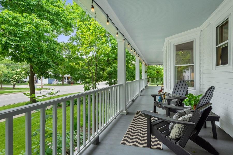 Real Estate Photography - 249 W Lake St, Barrington, IL, 60010 - Porch