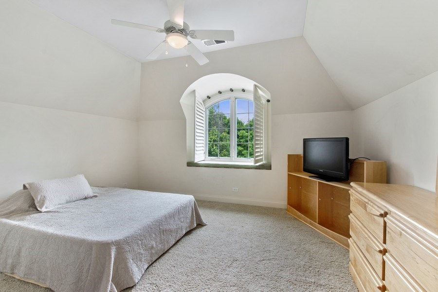 Real Estate Photography - 28317 Gray Barn Ln, Lake Barrington, IL, 60010 - 3rd Bedroom