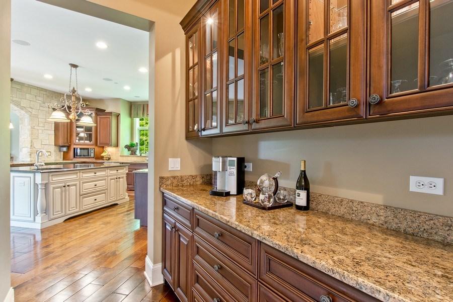 Real Estate Photography - 28317 Gray Barn Ln, Lake Barrington, IL, 60010 - Butler's pantry